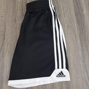 Kids Adidas shorts size m10/12
